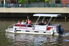 Milwaukee Boat Tours: Edelweiss Boats