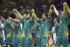Brasil doma medalhista do Mundial e consegue vitória inédita sobre europeu #globoesporte