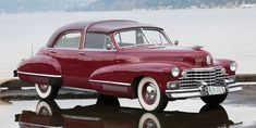1942 Cadillac Series 60 town car by Derham https://bracaeauto.wordpress.com/2016/04/03/a-historia-do-automovel-contada-pelo-museu-do-caramulo/