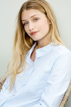 Chemise femme couleur bleu et blanc Ulysse - Balzac paris. Chachou Bzt · Look  working girl f11c17b5b01