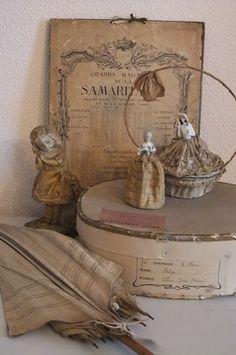 a Lil Shabby a Lil Vintage Shabby Vintage, Vintage Box, Vintage Decor, French Vintage, Vintage Display, Vintage Accessoires, Decoration Shabby, Vintage Vignettes, Retro