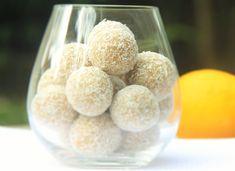 <3 Docinho de Coco com Limão Siciliano <3 Essa receita é para matar a vontade de comer doces e ainda nos encher de nutrientes! =D São ótimas para um lanchinho da manhã ou da tarde. ;) Beijoss <3 http://www.isabelkrempel.com.br/receitas/