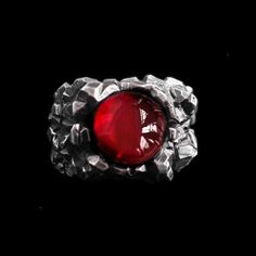 A man's ring needs aggression, rudeness, brutality and personality. A ring that suits him can enhance your charm. Mens Silver Rings, 925 Silver, Sterling Silver Rings, Blood Ruby, Ruby Stone, Photo Charms, Brass Material, Stone Rings, Class Ring