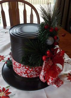 Dollar Store Christmas Ideas Snowman Hat Centerpieces Made from Dollar Store Plates and Large Tin Cans.Snowman Hat Centerpieces Made from Dollar Store Plates and Large Tin Cans. Noel Christmas, Simple Christmas, Winter Christmas, Christmas Wreaths, Christmas Ornaments, Christmas Vacation, Homemade Christmas, Christmas Names, Christmas Offers