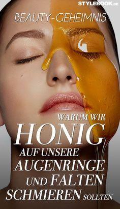 """Honig ist nicht nur ein beliebtes Süßungsmittel in Tee oder auf Brot, sondern endgültig in der Hautpflege-Industrie angekommen – und das aus vielen guten Gründen. Aber schon gewusst, dass er auch gegen den ungeliebten """"Waschbären-Look"""" hilft? Und spröde Lippen? Und Akne undundund? STYLEBOOK klärt auf."""