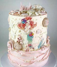 Gorgeous little Mermaid inspired cake design!