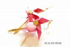 Longues boucles d'oreilles origami rose pliage rose des vents : Boucles d'oreille par rose-aux-joues