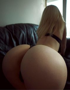 """iLikeBootyDaily on Twitter: """"Thick is an understatement Follow us on SnapChat: SnapiLGDaily https://t.co/xwzncn7cG5"""""""