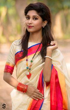 Joker Pleated Metal Base T-Shirt - women fashion Beautiful Saree, Beautiful Indian Actress, Beauty Full Girl, Beauty Women, Simple Pakistani Dresses, Indian Wedding Photography Poses, T Shirts For Women, Clothes For Women, India Beauty