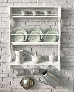 Cabinet Plate Rack, Plate Rack Wall, Wall Display Cabinet, Plate Racks, Plates On Wall, Shabby Chic Kitchen Shelves, Home Decor Kitchen, Kitchen Interior, Antique Plates