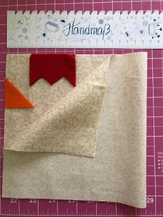 ArianeB Handmade: Ich wollt´, ich wär ein Huhn. Best Picture For sewing projects for women For Your Taste You are looking for something, and it is going to tell you exactly w Sewing Projects For Kids, Sewing Crafts, Burlap Party, Chicken Crafts, Towel Crafts, Diy For Men, Diy Crafts Hacks, Fabric Scraps, Pin Cushions