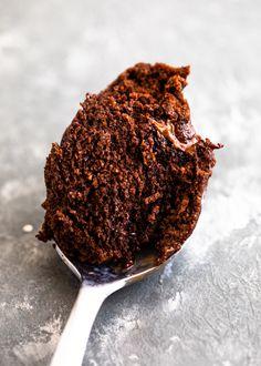 60 Second Keto Chocolate Mug Cake - Keto Meals Creamy Chicken, Roasted Chicken, Grilled Chicken, Pesto Chicken, Baked Chicken, Keto Chocolate Mug Cake, Chocolate Mug Cakes, Sin Gluten, Brownies