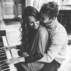 A beautiful couple sharing their love over a beautiful instrument: the Piano. This is Beauty. This is Romance. Love Is Sweet, Love You, My Love, Das Piano, Photo Couple, Couple Photos, Cutest Couple Pictures, Sweet Love Pictures, Sweet Picture