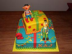 Stapeltaarten 2 - Koning Kikker.                   Bert and Ernie cake