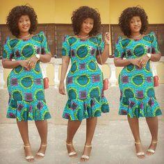 zulu traditional attire 2019 for black women - shweshwe African Fashion Designers, African Fashion Ankara, Latest African Fashion Dresses, African Print Fashion, Africa Fashion, Zulu Traditional Attire, South African Traditional Dresses, Short African Dresses, African Print Dresses