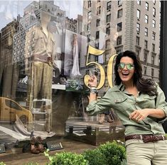 Angie Harmon Angie Harmon, Classic Actresses, Beautiful Day, The Neighbourhood, New York, Actors, Model, Law, Instagram