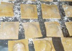 Italian sausage ravioli Recipe by Nikki Cagle - Cookpad recipe homemade Italian sausage ravioli Recipe by Nikki Cagle Italian Sausage Ravioli Recipe, Paleo Ravioli, Homemade Italian Sausage, Ravioli Bake, Mantu Recipe, Wassail Recipe, Susan Recipe, Homemade Pasta, Homemade Ravioli Recipe
