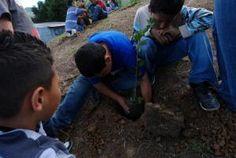 Celebración dedicada a 63 niños y niñas de Hospicio de Huérfanos de San Jose...  http://desktopcostarica.com/eventos/2013/aaj-en-armonia-con-la-tierra #Ayuda #CostaRica