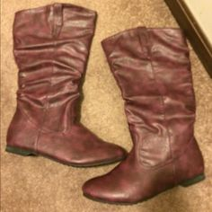 NEW Purple size 10 Boots No box. $3,$4,$5 ITEMS MUST BE BUNDLEDPrices in this Closet are LOW AND FIRM. No bargaining needed Makes it so much easier to just offer low low prices from the start ASK ALL THE QUESTIONS YOU WANT BEFORE PURCHASING. BUYER AND SELLER AGREE ALL SALES ARE FINAL. TRADE VALUE IS $5.00 HIGHER THAN LISTED SALE PRICE!! Reneeze Shoes Heeled Boots