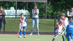 Een kijkje bij de spelbegeleiders van de jongste jeugd op Weesp Ceiling Bed, Hockey, Sports, Hs Sports, Field Hockey, Sport, Ice Hockey
