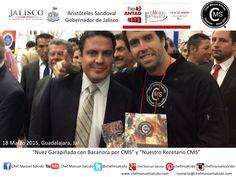 en Expo Antad muchas gracias al jefe de seguridad del gober, por tomarme la foto con Aristóteles Sandoval (#Gobernador de #Jalisco), y vaya que Ellos van blindados, y lo mejor es que le gustaron las nueces al gober!!! buena vibra!!! #chefcms #nuez #garapiñada #bacanora #denominacióndeorigen #cultura #México #expoantad2015 #marzo2015 #Guadalajara #recetario #nr2