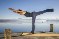 Yoga Asana in Patanjali Yoga Sutras - Yoga breathing Qigong, Tai Chi, Asana, Patanjali Yoga Sutras, Ayurveda Yoga, Warrior Pose, Yoga Breathing, Yoga Posen, Yoga At Home
