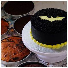 This batman cake went to singapore yesterday
