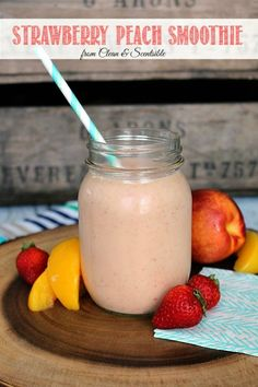Healthy Smoothies This strawberry peach smoothie is a healthy way to start off your day! Perfect for that summer fresh fruit! - This strawberry peach smoothie is a healthy way to start your day and the perfect way to use those summer fresh strawberries! Strawberry Peach Smoothie, Peach Smoothie Recipes, Smoothie Fruit, Apple Smoothies, Yummy Smoothies, Smoothie Drinks, Yummy Drinks, Healthy Drinks, Yummy Food