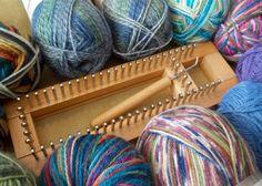 Knitting Loom Socks, Loom Knitting Stitches, Knifty Knitter, Loom Knitting Projects, Yarn Projects, Knitting Needles, Easy Knitting, Knitting Supplies, Knitting Tutorials