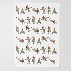 The endearing stories by the Swedish children's book author and illustrator Elsa Beskow have been interpreted by Catharina Kippel. Catharina has selected visual quotations from the original illustrations and reworked Elsa's images into patterns. The pretty Christmas elves kitchen towel from Design House Stockholm has a motif taken from one of Beskow´s stories. Use the kitchen towel when doing the kitchen chores and let it be a decorative detail during Christmas. Combine with other fine…
