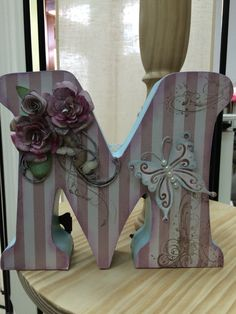 Letra madera decorada scrapbookin