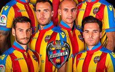 Terceira camisa do Levante UD 2016-2017 Macron