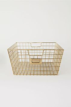 Control clutter with our eye-catching storage solutions. Take your pick from chunky woven jute, rustic wood and delicate wire or tactile linen and canvas.