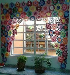 Crochet Flowers Curtain 25 Ideas For 2019 Crochet Curtain Pattern, Crochet Table Runner Pattern, Crochet Curtains, Curtain Patterns, Lace Curtains, Crochet Flower Patterns, Crochet Doilies, Crochet Flowers, Valance