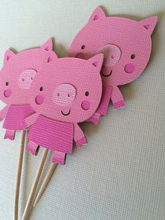 Farm Animals Centerpieces or cake toppers, Farm/Farm Theme Party Farm Animal Cupcakes, Pig Cupcakes, Pig Crafts, Crafts For Kids, Peppa Pig, Washi, Pig Baby Shower, Picture Banner, Pig Pen