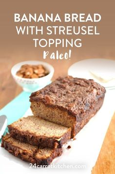 Easy to slice, fluffy, with a crunchy streusel cinnamon topping! This amazing Paleo Banana Bread is so simple and delicious. Keeps well and even great the next day! Healthy Eating Recipes, Real Food Recipes, Cake Recipes, Dessert Recipes, Healthy Meals, Delicious Recipes, Cinnamon Banana Bread, Paleo Banana Bread, Paleo Bread Recipe Easy