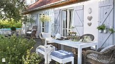Ogród w stylu prowansalskim - jak go urządzić? http://domomator.pl/ogrod-stylu-prowansalskim-go-urzadzic/