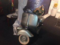 Vintage Vespa... tailor mede in Italy #weddingitaly #luganosposi