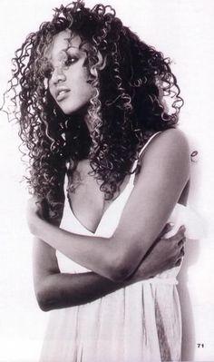 Tyra Banks - love the hair