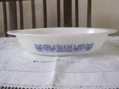 VINTAGE CROWN AGEE PYREX BLUE PEACOCK 200 DIVIDED VEGETABLE DISH