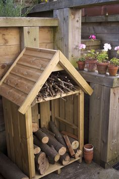 Hinton log store, for on the deck, when we get our upstairs fireplace working!