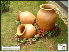 Mini jardín con tinajas de barro~Estilo Puerto Rico  #landscapingdiy  #LandscapingDIY