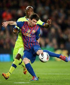 """Barcelona gana 4-0 al Getafe y se pone a 1 punto del Madrid que llega con toda la presión a jugar con el """"Aleti""""."""