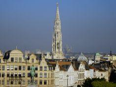 Bruxelles, au pays de la mixité Travel Belgium, Belgium Europe, Brussels, Paris Skyline, Restaurant, Bar, Travel, Diner Restaurant, Restaurants