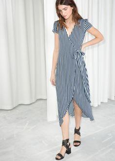 a4e3704a89b De 10 bedste billeder fra f a s h i o n | Women's wrap dresses, Wrap ...