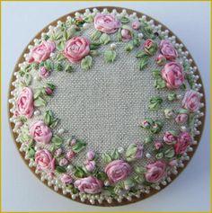 PDF PP13 rosas y patrón de perlas alfiletero Kit por lornabateman22