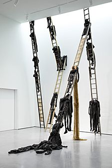 Conflict and Collisions: New Contemporary Sculpture at the Hepworth Wakefield Contemporary Sculpture, Contemporary Art, Fashion Installation, Art Installation, Hepworth Wakefield, Art Actuel, Instalation Art, Bokashi, Exhibition Display