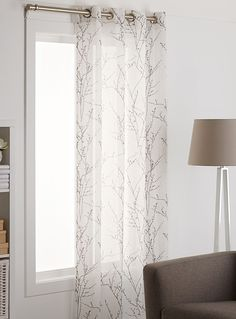Exclusively from Simons Maison A naturalistic pattern with a chic cottage look, very trendy in home decor, with contrasting minimalist tree branches on light, pure white voile. Large metal grommet suspension One panel per package 135 x 220 cm / x Patio Door Curtains, Voile Curtains, Grey Curtains, Bedroom Curtains, Diy Rustic Decor, Rustic Farmhouse Decor, Rustic Design, Baby Room Decor, Living Room Decor
