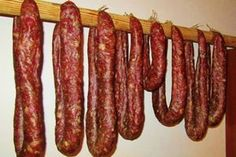 basy domowe, bez w? Jak to zrobi? Homemade Sausage Recipes, Pork Recipes, Home Made Sausage, German Sausage, Deer Meat, Biltong, Smoker Cooking, Artisan Food, How To Make Sausage