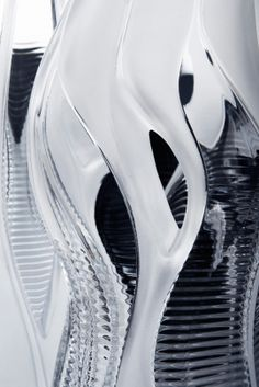 Zaha Hadid Unveils A Pair Of Sinuous, Crystalline Vases For Lalique - Architizer